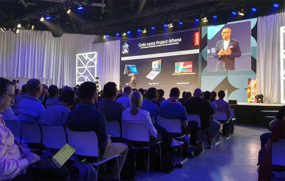 Lenovo a dévoilé cinq nouveaux Yoga.