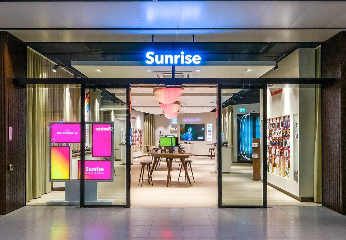 Un magasin Sunrise, vide.