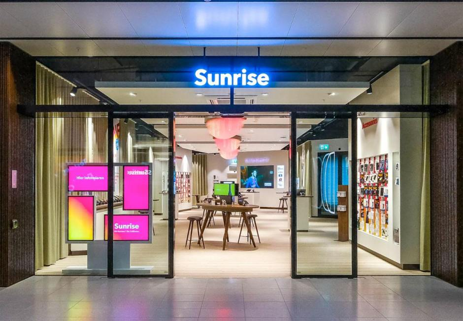 Un magasin Sunrise, vide.
