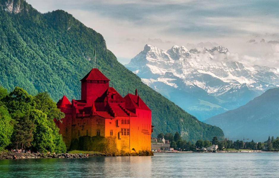 Le marketing de Sunrise: mégalo, il repeint la Suisse à son image. Trompeur, il efface les voies de communication… Prudence.