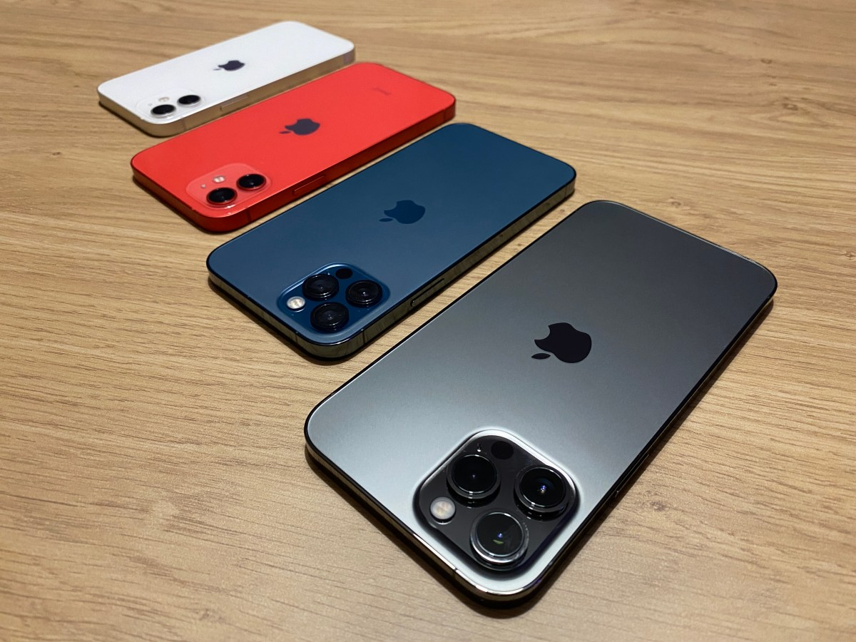 iPhone 12 Pro Max , iPhone 12 Pro, iPhone 12 et iPhone 12 mini.