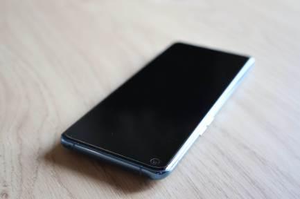 L'Oppo Find X3 Pro: mince et élégant.