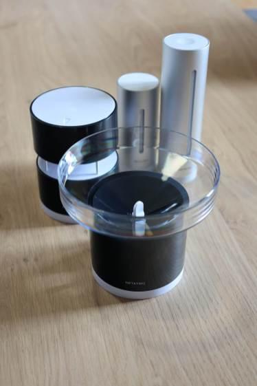Le pluviomètre Netatmo et le reste des capteurs.