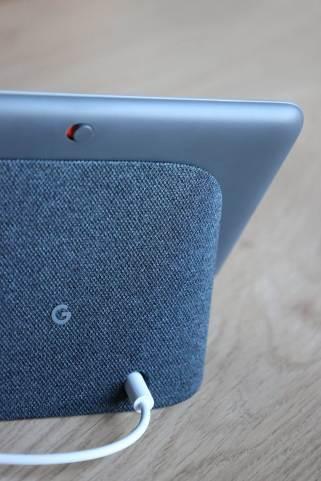 Une touche pour couper les micros du Google Nest Hub 2.