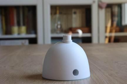Google Nest: le socle en option.