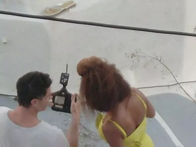 Beyonce στη Σαντορίνη