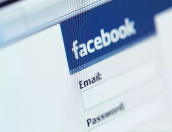 2.900.000 Έλληνες στο Facebook