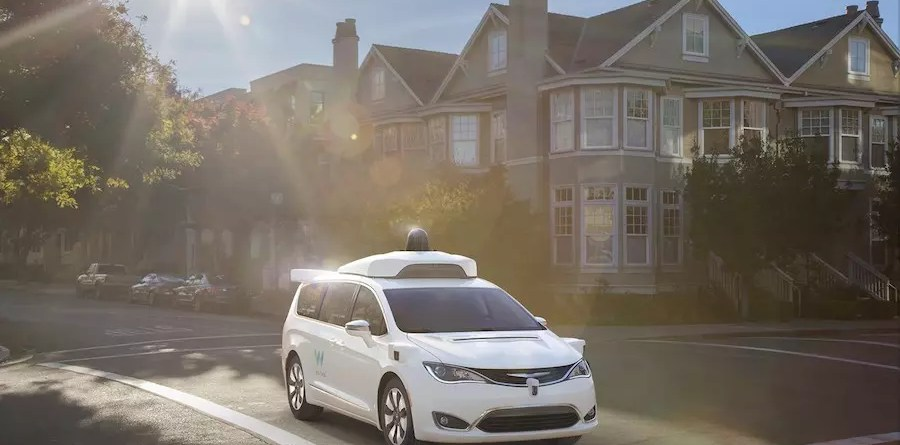 Google Waymo self driving Chrysler Pacifica Hybrid minivans (4)