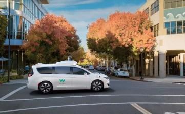 Google Waymo self driving Chrysler Pacifica Hybrid minivans