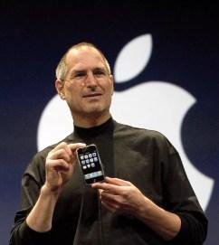 Steve Jobs announced Apple iPhone