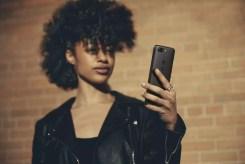 OnePlus 5T Lifestyle