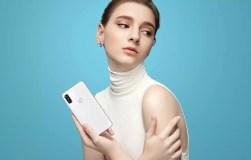 Motorola P30 white hero