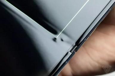 Samsung Galaxy Fold display grain The Verge