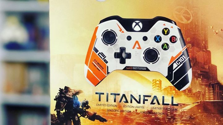 Titanfall Limited Edition Controller #Titanfall #controller #XboxOne #limitededition #manette #collector #collection #in…