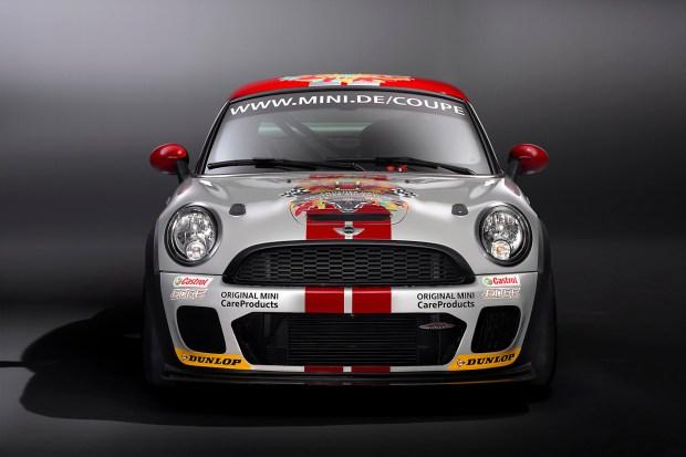 03-mini-john-cooper-works-coupe-endurance-racer