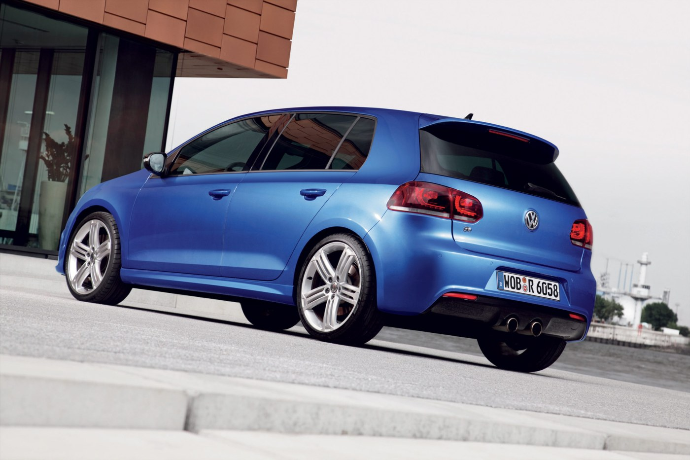 la nouvelle volkswagen golf r avec 300cv. Black Bedroom Furniture Sets. Home Design Ideas