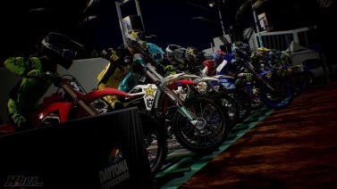 Test-Monster-Energy-Supercross-3-004