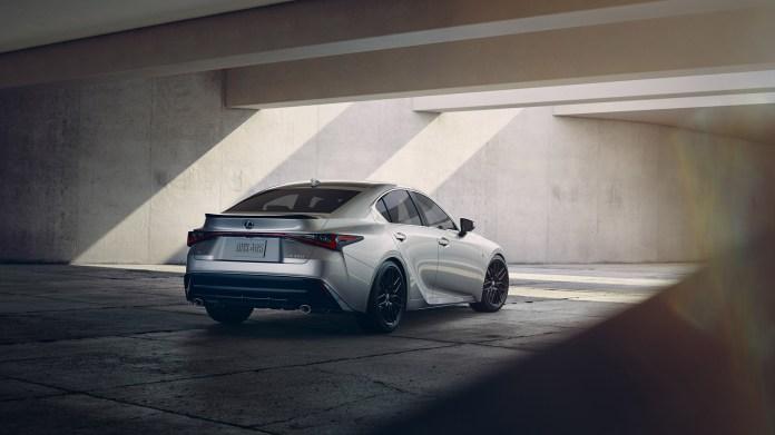 2021-Lexus-IS-002-1080