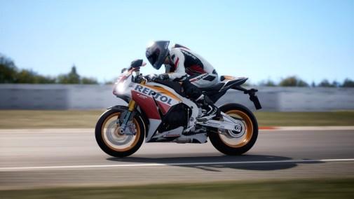 Ride-4-2015-Honda-CBR-1000RR-Fireblade-006