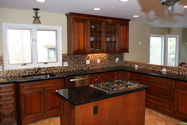 Transitional Townhouse Kitchen With Island And Stove