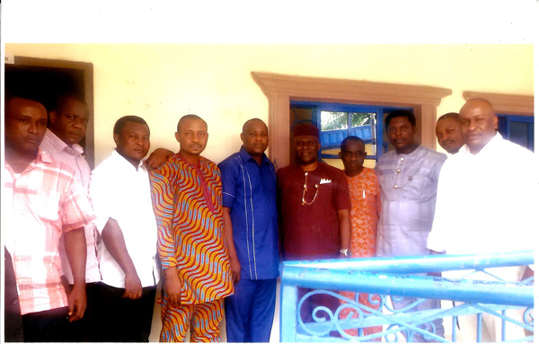 Dr. Victor Udo, SSA on Power flanked by Akwa Ibom Chapter Chairmen of the National Youth Council.