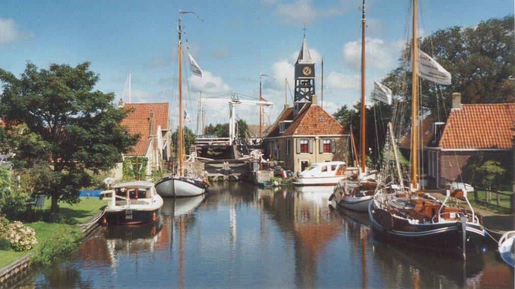 Hindeloopen municipality harbor