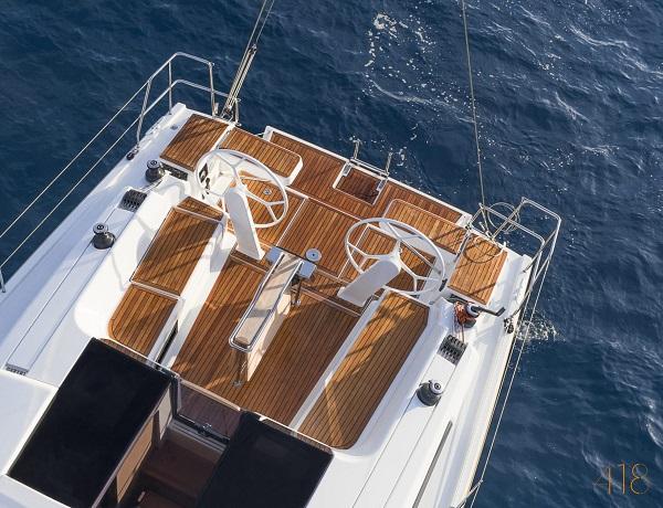 Xclusive Sailing Yacht Hanse 418 cockpit