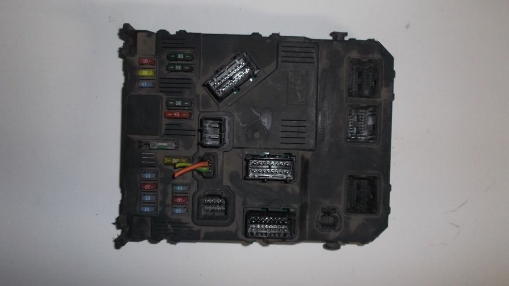 medium resolution of picture of peugeot 206 fuse box a2c53172124