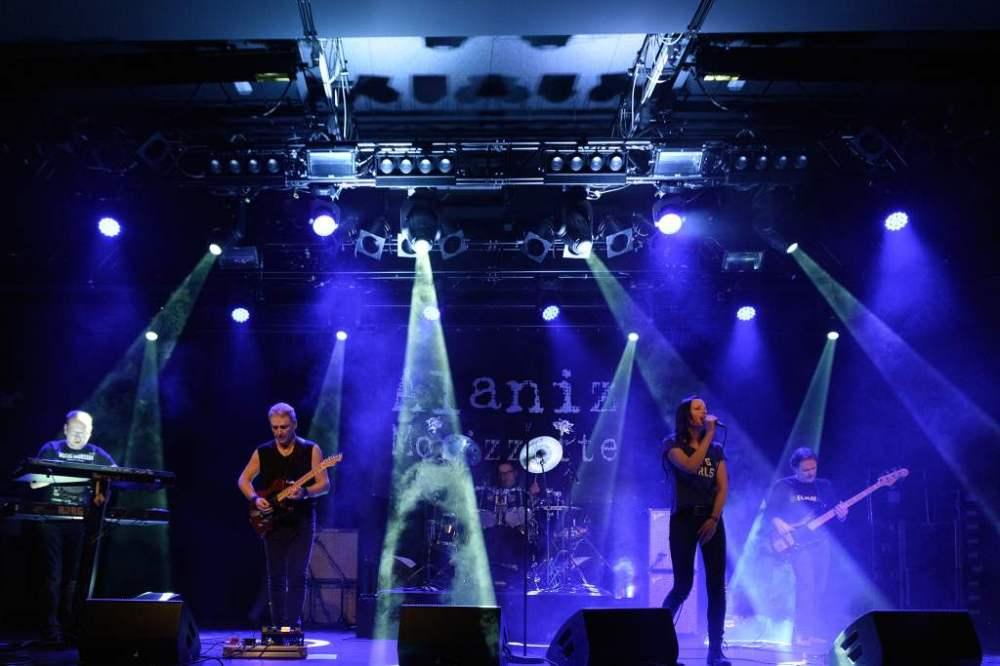 Alanis Morissette Tribute - Alaniz Morizzette DW 5