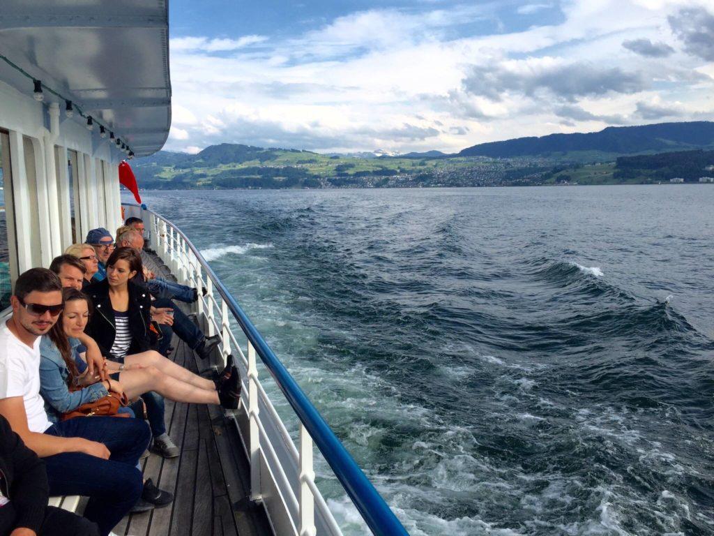 Menschen auf dem Boot