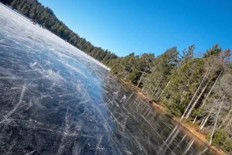 Etang de la Gruère: Ein gefrorener Moorsee