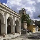 Pobladores de Coixtlahuaca dañan edificio de Juicios Orales en Nochixtlán