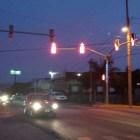 Ponen en marcha semáforos en 5 de Febrero