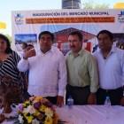Inauguran nuevo mercado de Acatlán