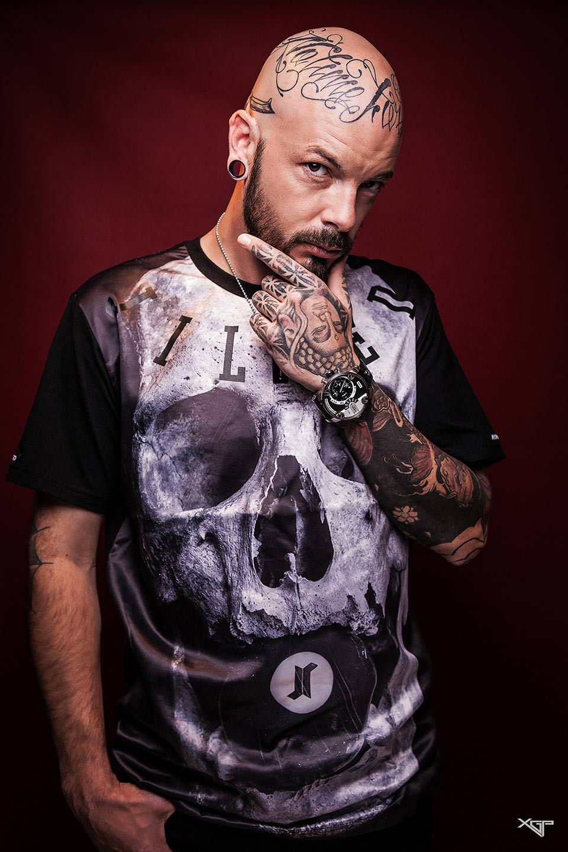Portrait homme modele tatouage,pour l'exposition WDYT What do you th'ink?