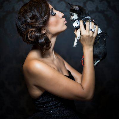 Portrait femme modele avec chien