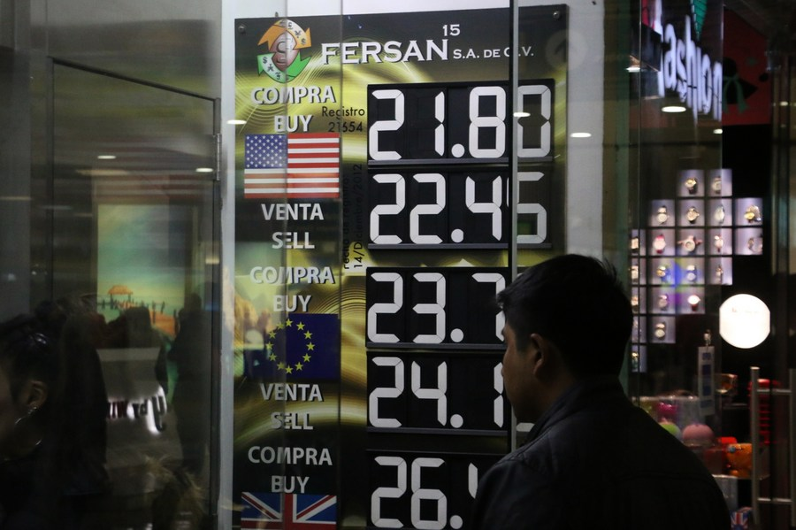 Mexican economy shrinks 8.3 pct in 2020 due to COVID-19 - Xinhua | English.news.cn