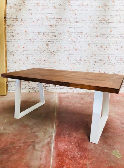 Disegnati e prodotti in italia abbiamo tavoli allungabili dal design unico. Acquista Tavolo Da Pranzo Design Moderno 30 Di Sconto