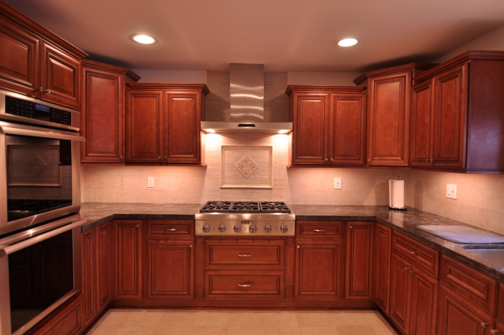 Cherry Kitchen Caninets And Backsplashes Ideas  Home