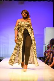 NationalCurvesDayCoEDFashionShow-156