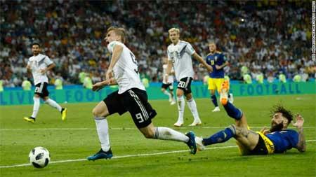 Jimmy Durmaz takling Tyskland