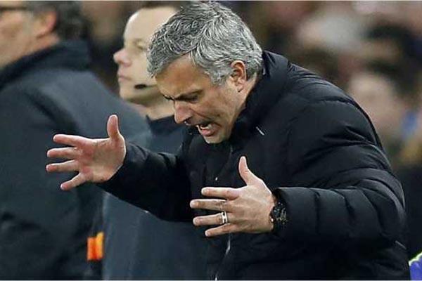 Mourinho Ancam Direksi Manchester United Untuk Datangkan 7 Pemain
