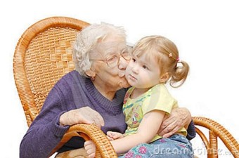 Abuela con nieto con ñ de España