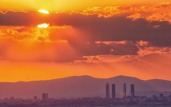 Puesta de sol en MADRID. Con-ñ-de-España.