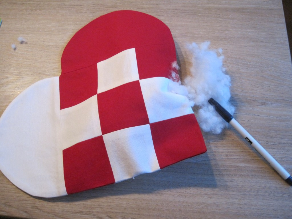 Dänemark wo das Glück wohnt Nähanleitung für ein Julehjerte22.JPG
