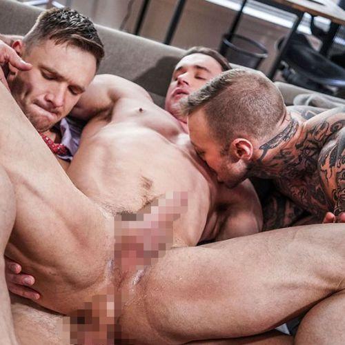 Lucas Entertainment: 3人の淫乱リーマンが下半身もろ出しで、、、Alexander Volkov, Andrey Vic と Dylan Jamesの3P乱交