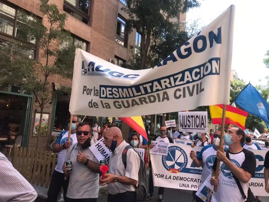 La Guardia Civil se manifiesta y pide su desmilitarización