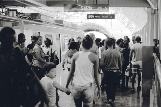 train-station-691176_1920