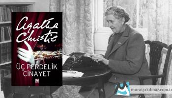 Agatha Christie'nin 1934 yılında yayınladığı Hercule Poirot kitabı Üç Perdelik Cinayet, ünlü dedektifin bir başka Christie karakteri olan Bay Satterthwaite ile beraber çalıştığı tek kitap olmasıyla önem taşıyor.