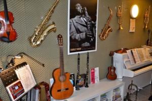 MUSIKUNTERRICHT FÜR ERWACHSENE musikunterricht fÜr erwachsene Unterricht für Erwachsene Musikunterricht Muenster musikunterricht in muenster privater musikunterricht muenster5d 300x199